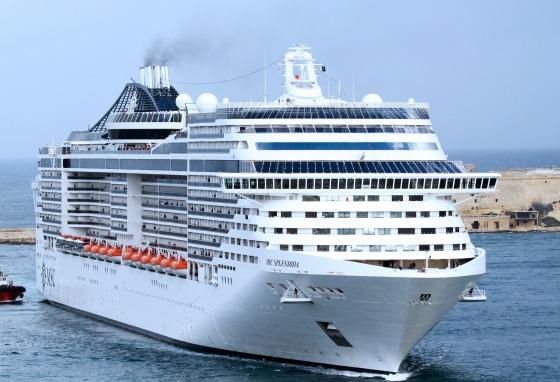 cruise-ship-144830_1920.jpg