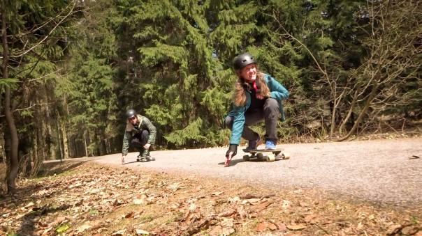 skating.both